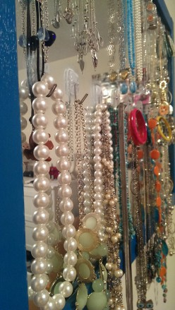 Home Decor DIY: Check Out This Mirrored Jewelry Wall Organizer