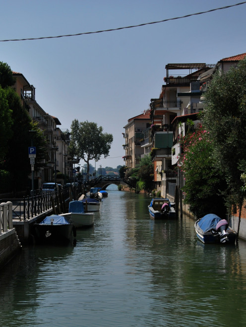 Canal in Lido. Source; my own photos.
