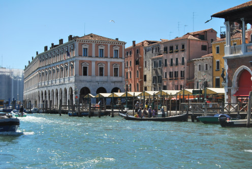 A market place in Venice. Source; my own Photos.