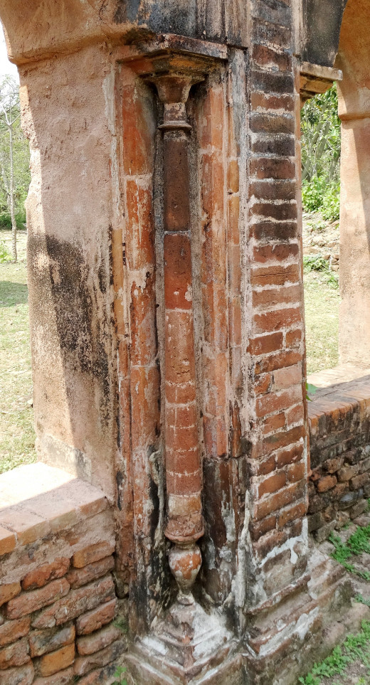 Terracotta half-pillar