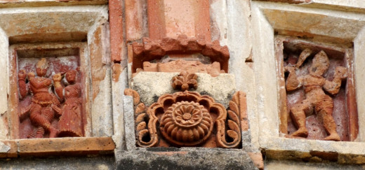 Terracotta design on the Nabaratna Shiva tample facade