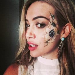 Hilary Duff uses apple cider vinegar for pimples