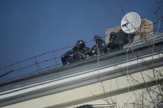 Possible snipers seen on the roof during clashes in Ukraine, Kyiv. Events of February 18, 2014