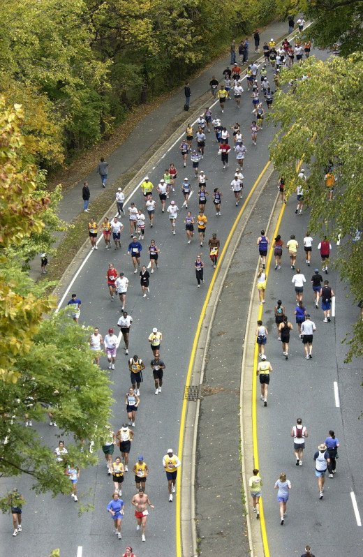 A group of 400 runners sprinting to the finish line of a charity marathon in New Jersey