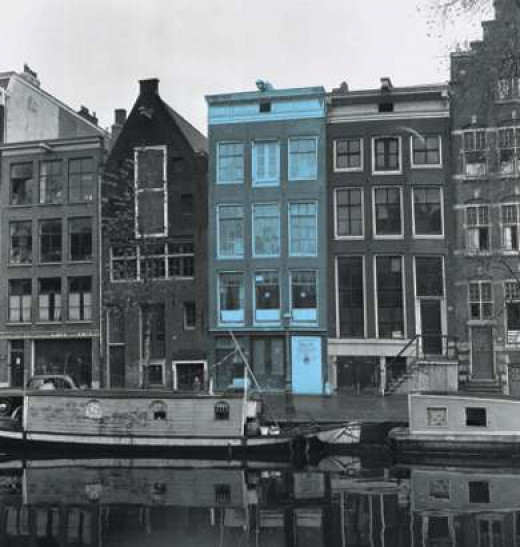 The house when Otto Frank had his offices on Prinsengracht. You cannot see the backhouse from the street.