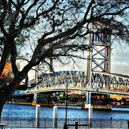 A photo of the Main Street Bridge in Jacksonville, FL