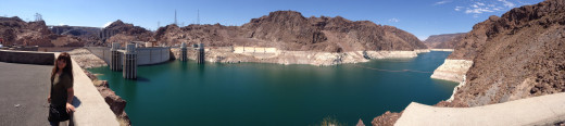 A trip to tour the Hoover dam is always a great goal to see more of America.
