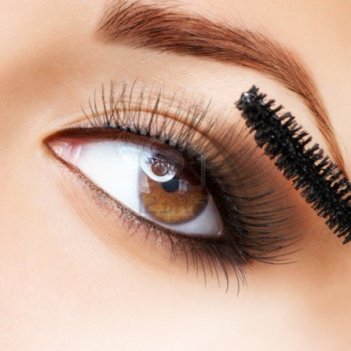 A clean brush paints your lashes perfectly.