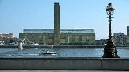 Bankside Power Station built after WWll now houses the Tate Modern, one of London most famous museum of Art.