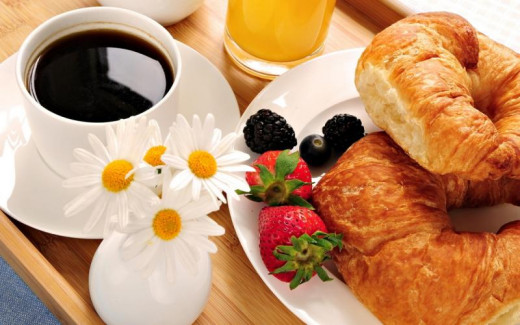 Surprise her with breakfast