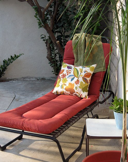 Lounge chair with Outdoor throw pillow