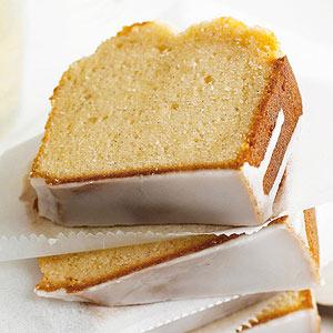 Vanilla-Sparkling Wine Pound Cake