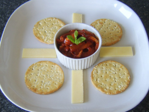 Indian spiced onions with cheese and crackers