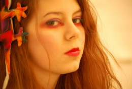 This pretty redhead narcissist could shame a mirror with her looks.