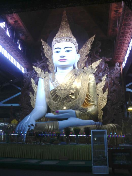 Nga Htat Kyi Buddha