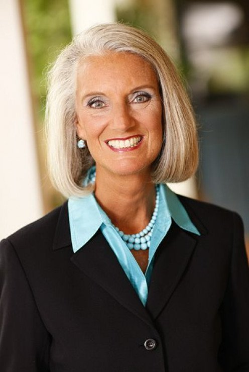 Anne Graham Lotz is the honorary chairman.