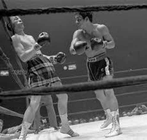Hands of Stone Roberto Duran won the lightweight title by knocking out Ken Buchanon at Madison Square Garden in New York.