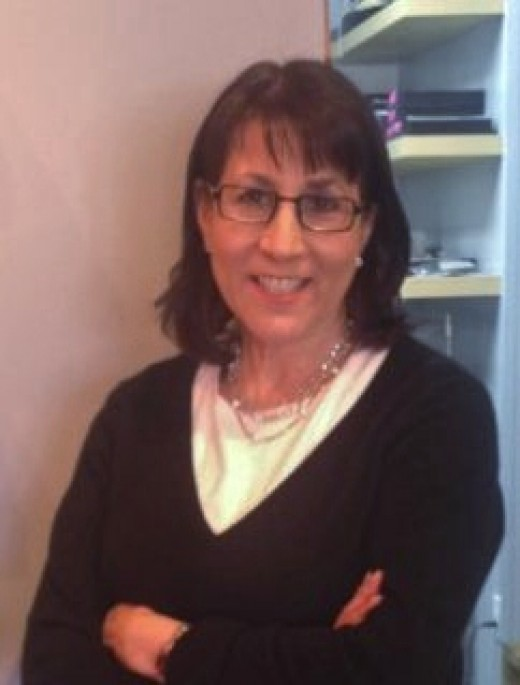 Renee is a licensed optician for over 25 years