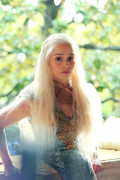The Best of Daenerys Targaryen Costumes and Accessories