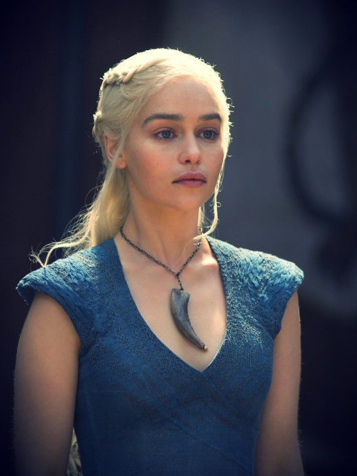 Daenerys Fang Necklace