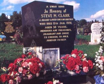 The Gravestone of Steve Clark