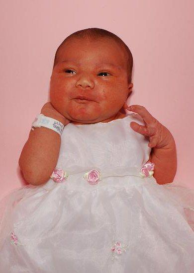 Layla's newborn baby picture