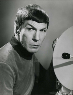 Mr. Spock, ST:TOS. The fictional Vulcan has a life span of 200 years. Leonard Nimoy lived to age 82.