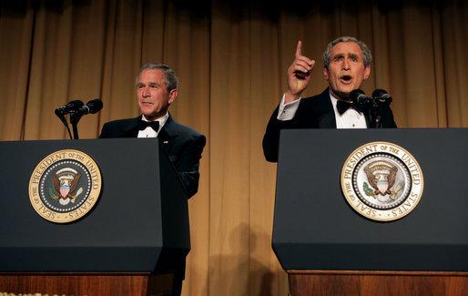 President George Bush & comedian Steve Bridges @ 2006 White House Correspendents Dinner.