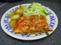 Easy Pancake Cannelloni Filled with Spinach and Cream Cheese