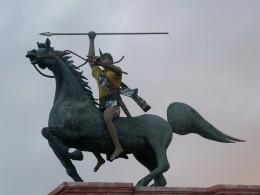 pasola festival statue