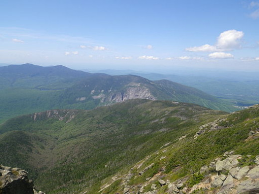 A view of Greenleaf Hut from part of Franconia Ridge