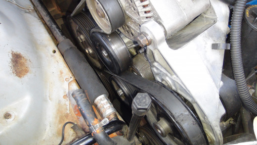 The water pump sits just under the alternator.