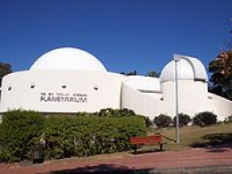 This is the Sir Thomas Brisbane Planetarium, it can be visited from Toowong-Brisbane new botanic gardens