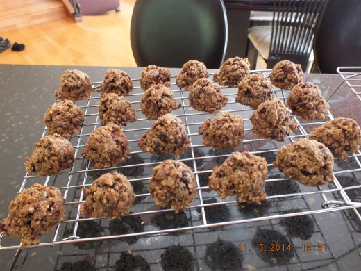 Let the cookies cool on a cooling rack. It may be difficult to keep hungry family members away!