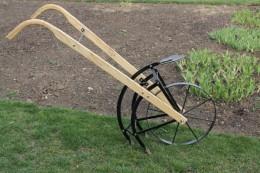Flip & Go Garden Cultivator