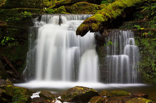 Neutral density filters are often used to achieve motion blur effects with slow shutter speeds CC BY-SA 3.0