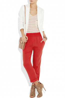 I liked this daytime blazer look because it really compliments the colors of the outfit.
