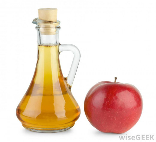 Vinegar is a great detangler and conditioner, and natural too!