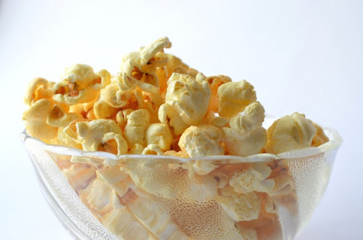 Popcorn is a light snack you can eat to help keep your brain in good working order while studying.
