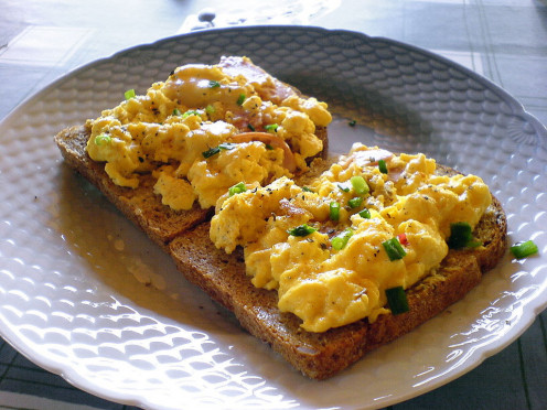 Scrambled egg with some leek, cheese and ham