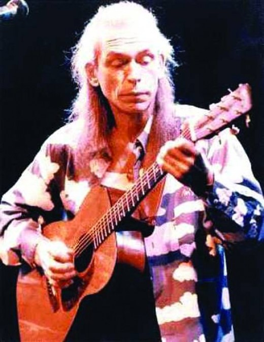 Steve Howe of Yes, The Syndicats, Bodast, Tomorrow, Asia, GTR, Anderson, Bruford, Wakeman, Howe  and over a dozen solo albums.