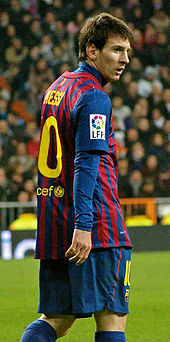Leonel Messi looking on