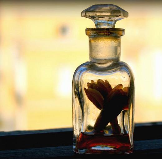 Nard perfume.  Photo by Juan Antonio Flores Segal