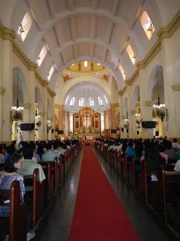 Consecration Service.  Photo by Ramon FVelasquez