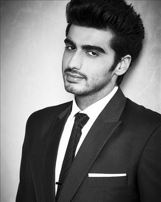 Arjun Kapoor's last 2 releases, 2 States and Gunday, were big hits at the box office and just like his professional life, the actor seems to have a rocking personal life as well.   Visit http://www.biscoot.com/showtym