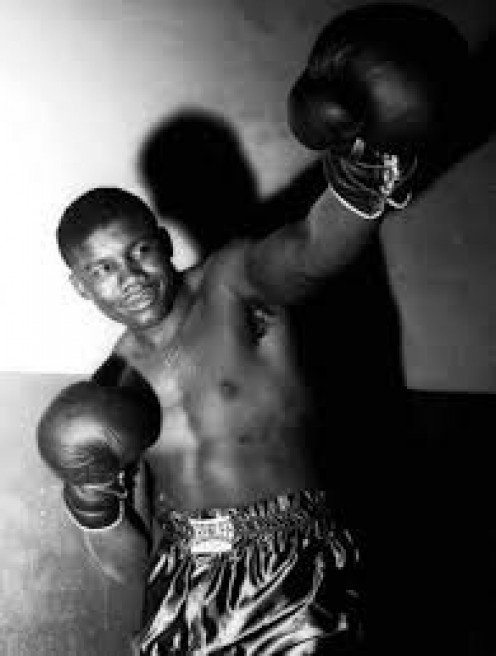 Jimmy Bivins was a great middleweight contender who was a a good as any champion to ever lace on the gloves.