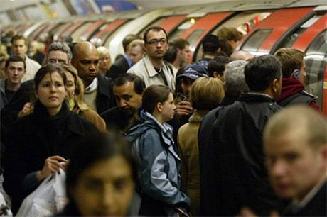 Rush hour on a busy London Underground platform