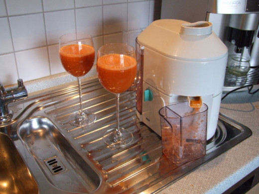 Electric centrifugal juicer