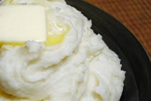 Mashed Potatoes with butter go great with ribs or just as a sidesnack.