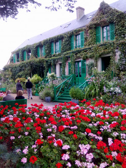 Flowers and Impressionist art - visit Monet's garden in Giverny, it inspired many of his paintings.